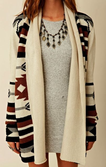colier statement cardigan